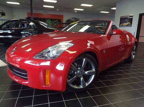 2006 Nissan 350Z for sale at SAINT CHARLES MOTORCARS in Saint Charles IL