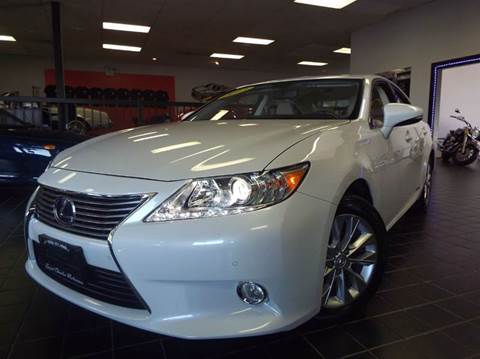 2013 Lexus ES 300h for sale at SAINT CHARLES MOTORCARS in Saint Charles IL
