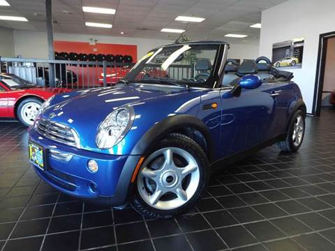 2006 MINI Cooper for sale at SAINT CHARLES MOTORCARS in Saint Charles IL