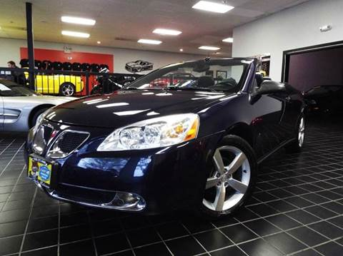 2008 Pontiac G6 for sale at SAINT CHARLES MOTORCARS in Saint Charles IL