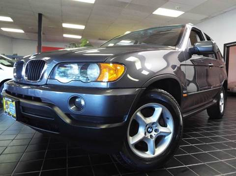 2003 BMW X5 for sale at SAINT CHARLES MOTORCARS in Saint Charles IL