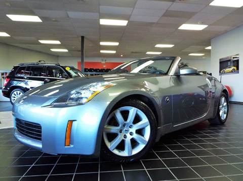 2005 Nissan 350Z for sale at SAINT CHARLES MOTORCARS in Saint Charles IL