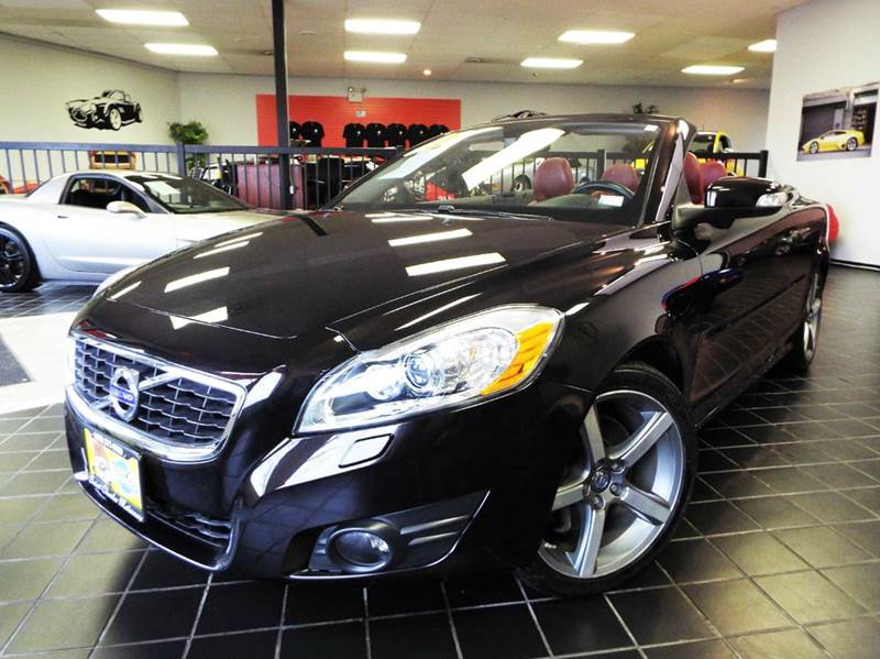 2012 Volvo C70 for sale at SAINT CHARLES MOTORCARS in Saint Charles IL