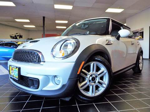 2011 MINI Cooper for sale at SAINT CHARLES MOTORCARS in Saint Charles IL