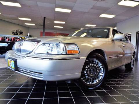 2010 Lincoln Town Car for sale at SAINT CHARLES MOTORCARS in Saint Charles IL