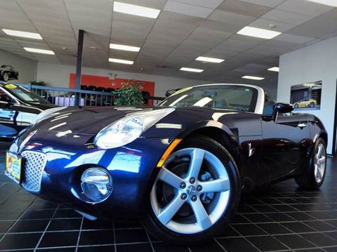 2006 Pontiac Solstice for sale at SAINT CHARLES MOTORCARS in Saint Charles IL
