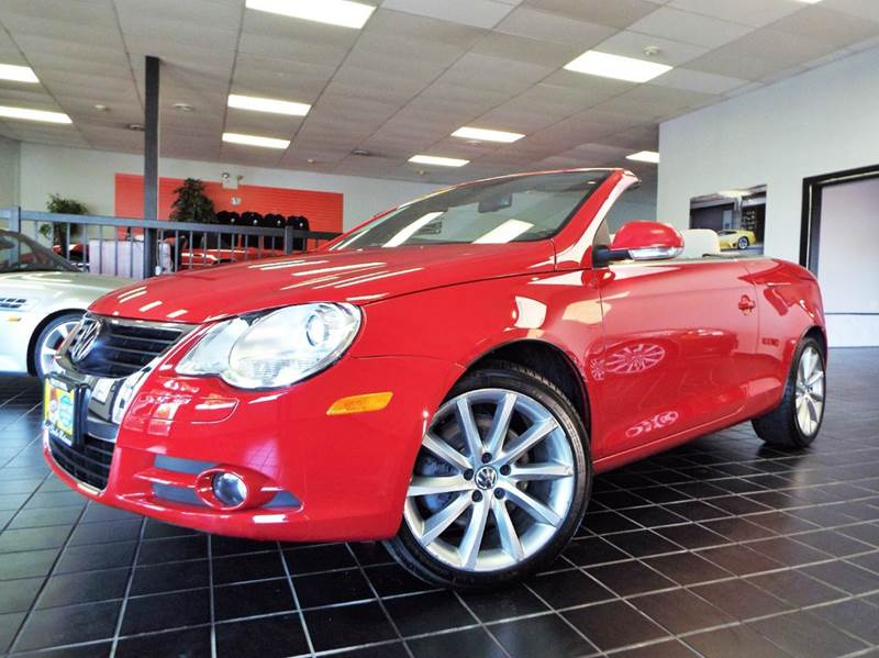 2007 Volkswagen Eos for sale at SAINT CHARLES MOTORCARS in Saint Charles IL