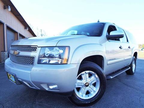 2008 Chevrolet Suburban for sale at SAINT CHARLES MOTORCARS in Saint Charles IL