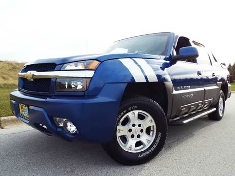 2003 Chevrolet Avalanche for sale at SAINT CHARLES MOTORCARS in Saint Charles IL