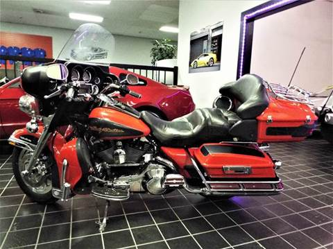 2006 Harley-Davidson Ultra Classic Electra Glide for sale at SAINT CHARLES MOTORCARS in Saint Charles IL