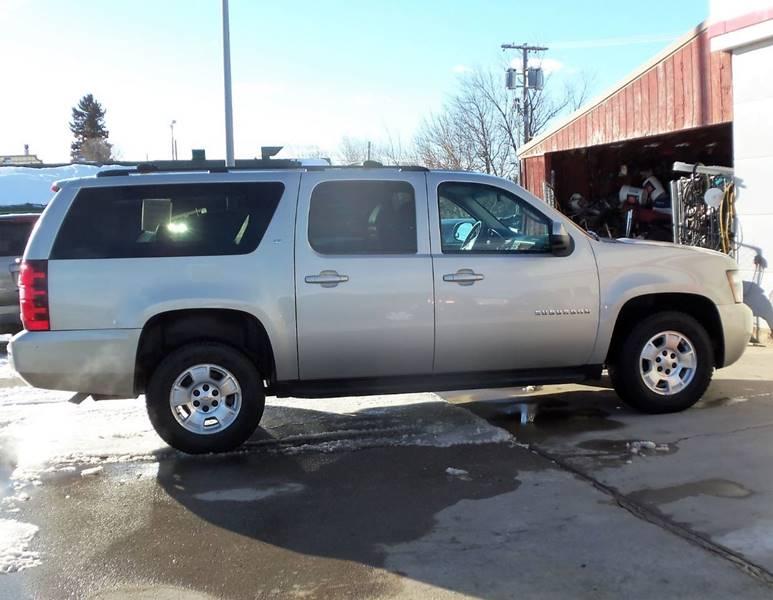2013 Chevrolet Suburban LT 1500 4x4 4dr SUV