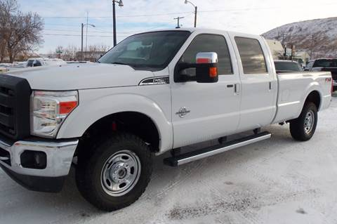 2015 Ford F-250 Super Duty Lariat for sale at Central City Auto West in Lewistown MT