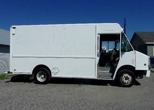 1999 Freightliner MT45 Chassis 4X2 Chassis