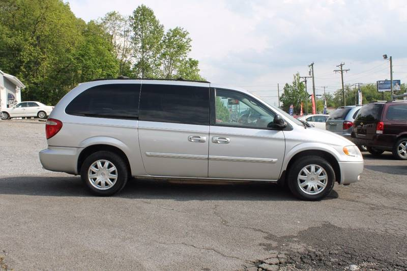 2007 Chrysler Town and Country Touring 4dr Extended Mini-Van - Bristol VA