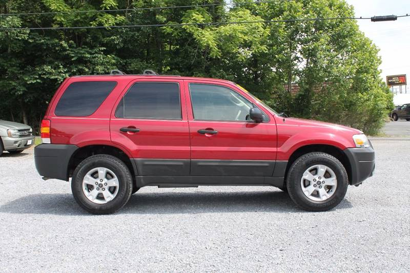 2005 Ford Escape AWD XLT 4dr SUV - Bristol VA