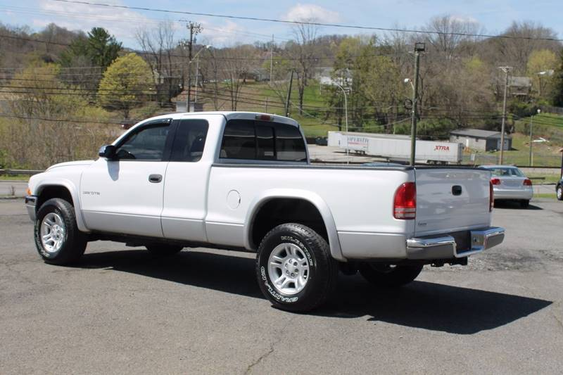 2001 Dodge Dakota 2dr SLT 4WD Club Cab SB - Bristol VA