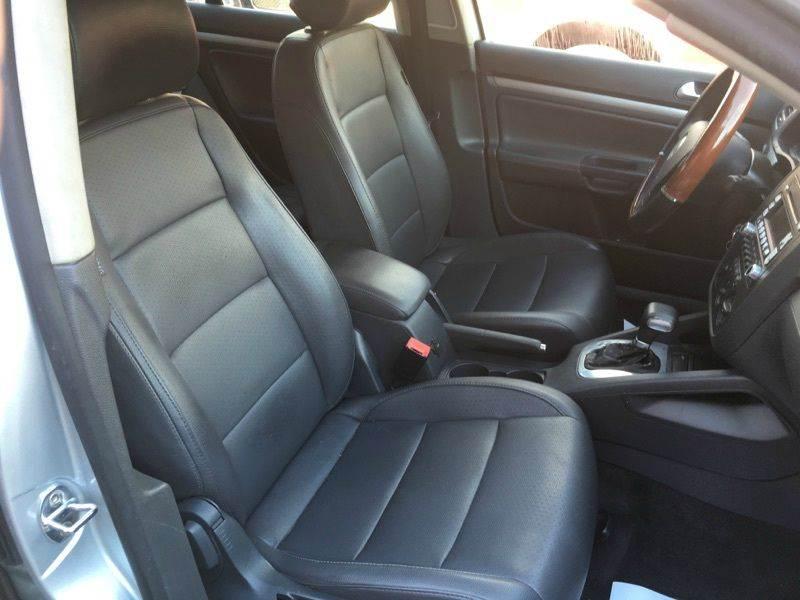 2006 Volkswagen Jetta 2.5 4dr Sedan w/Automatic - Pittsburgh PA