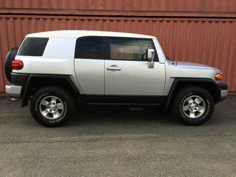 2008 Toyota FJ Cruiser for sale at AVAZI AUTO GROUP LLC in Gaithersburg MD