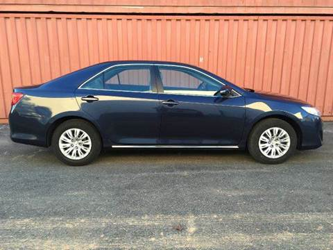 2014 Toyota Camry for sale at AVAZI AUTO GROUP LLC in Gaithersburg MD