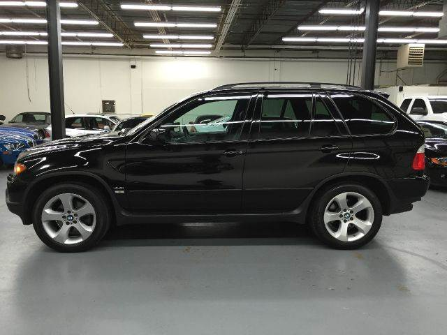 2005 BMW X5 for sale at AVAZI AUTO GROUP LLC in Gaithersburg MD