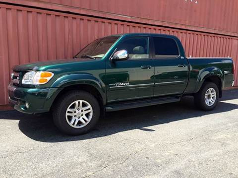 2004 Toyota Tundra for sale at AVAZI AUTO GROUP LLC in Gaithersburg MD