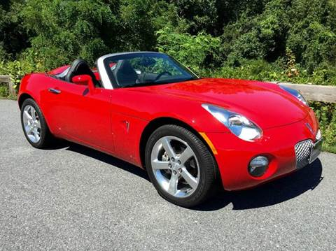 2007 Pontiac Solstice for sale at AVAZI AUTO GROUP LLC in Gaithersburg MD