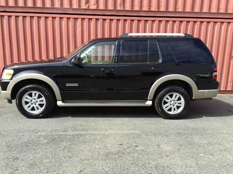 2007 Ford Explorer for sale at AVAZI AUTO GROUP LLC in Gaithersburg MD