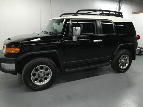 2012 Toyota FJ Cruiser for sale at AVAZI AUTO GROUP LLC in Gaithersburg MD