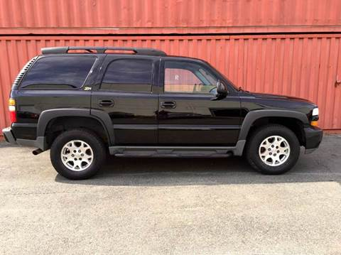 2004 Chevrolet Tahoe for sale at AVAZI AUTO GROUP LLC in Gaithersburg MD