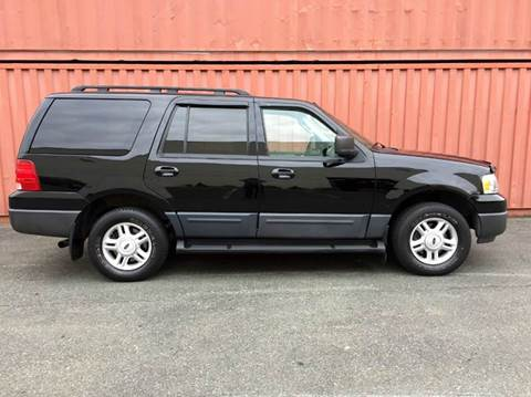 2006 Ford Expedition for sale at AVAZI AUTO GROUP LLC in Gaithersburg MD