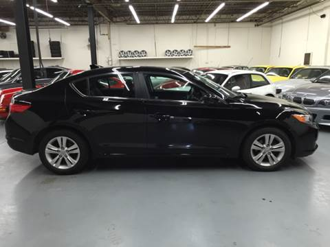 2013 Acura ILX for sale at AVAZI AUTO GROUP LLC in Gaithersburg MD