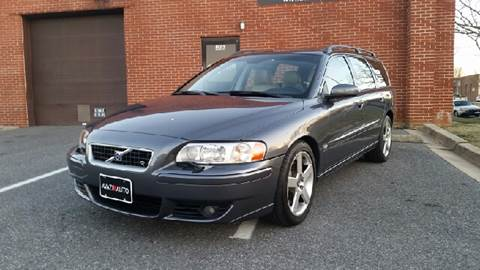 2006 Volvo V70 R for sale at AVAZI AUTO GROUP LLC in Gaithersburg MD
