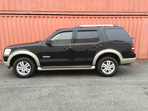 2006 Ford Explorer for sale at AVAZI AUTO GROUP LLC in Gaithersburg MD