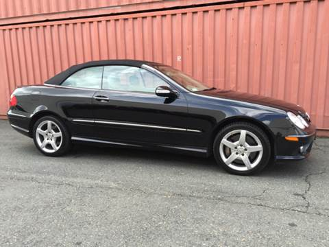 2007 Mercedes-Benz CLK for sale at AVAZI AUTO GROUP LLC in Gaithersburg MD