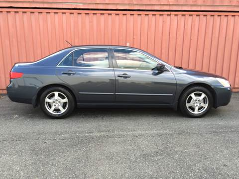 2005 Honda Accord for sale at AVAZI AUTO GROUP LLC in Gaithersburg MD