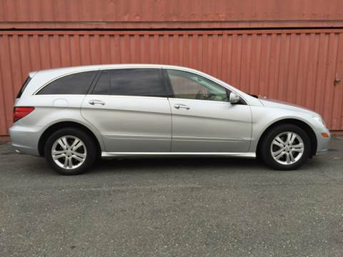 2006 Mercedes-Benz R-Class for sale at AVAZI AUTO GROUP LLC in Gaithersburg MD