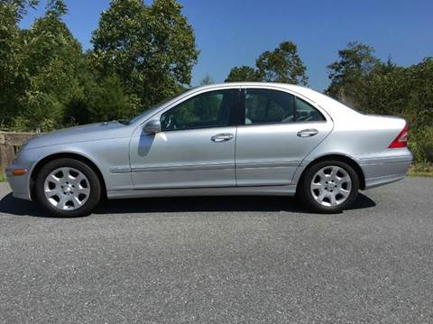2006 Mercedes-Benz C-Class for sale at AVAZI AUTO GROUP LLC in Gaithersburg MD