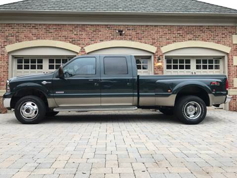 2005 Ford F-350 Super Duty for sale at AVAZI AUTO GROUP LLC in Gaithersburg MD