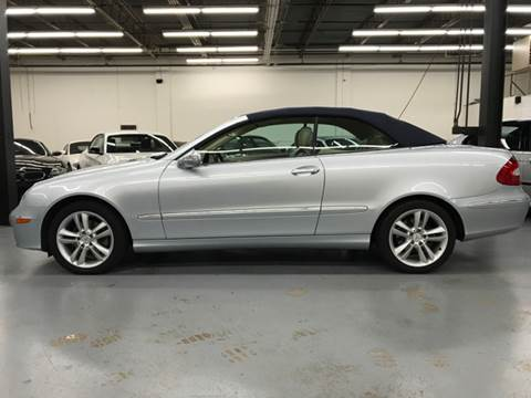 2006 Mercedes-Benz CLK for sale at AVAZI AUTO GROUP LLC in Gaithersburg MD