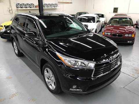 2015 Toyota Highlander for sale at AVAZI AUTO GROUP LLC in Gaithersburg MD