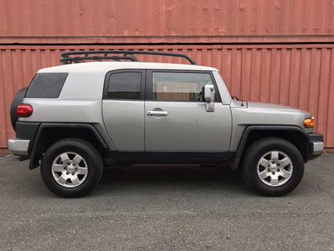 2010 Toyota FJ Cruiser for sale at AVAZI AUTO GROUP LLC in Gaithersburg MD