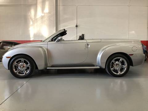 2006 Chevrolet SSR for sale at AVAZI AUTO GROUP LLC in Gaithersburg MD
