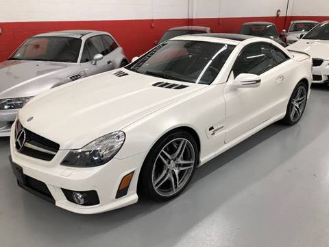 2009 Mercedes-Benz SL-Class for sale at AVAZI AUTO GROUP LLC in Gaithersburg MD