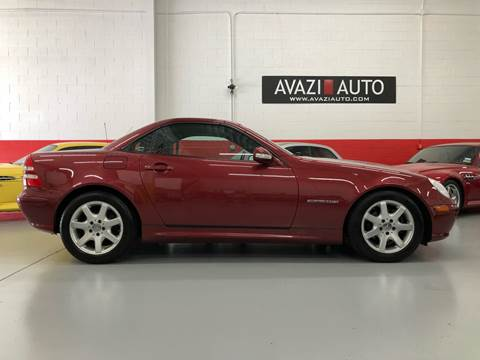 2003 Mercedes-Benz SLK for sale at AVAZI AUTO GROUP LLC in Gaithersburg MD