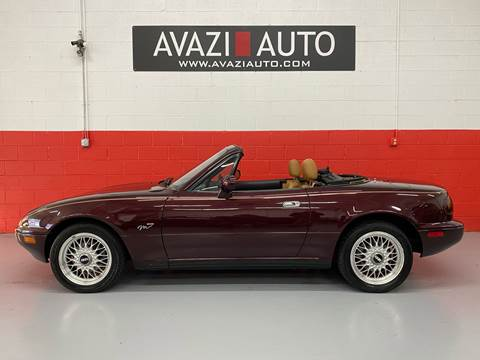 1995 Mazda MX-5 Miata for sale at AVAZI AUTO GROUP LLC in Gaithersburg MD