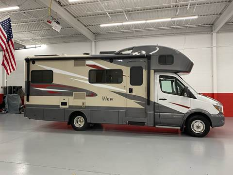 2017 Winnebago VIEW 24 G for sale at AVAZI AUTO GROUP LLC in Gaithersburg MD
