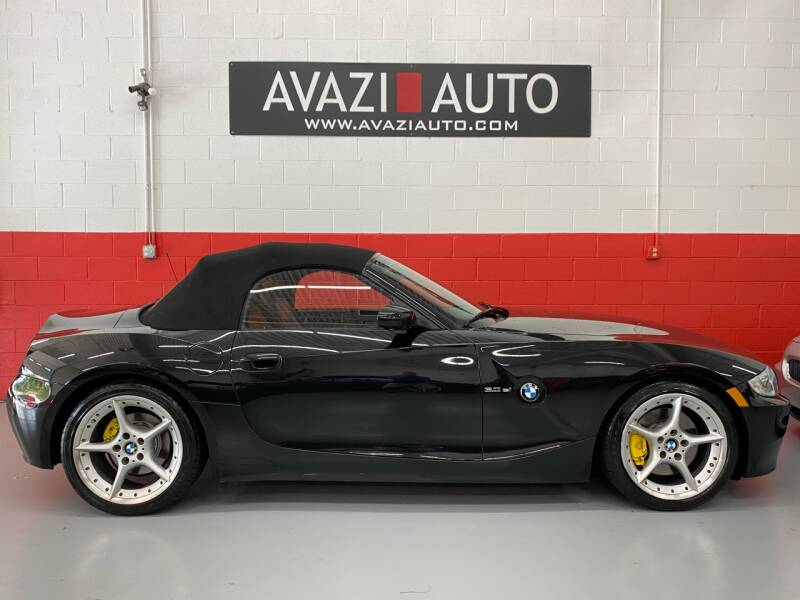 2008 BMW Z4 for sale at AVAZI AUTO GROUP LLC in Gaithersburg MD