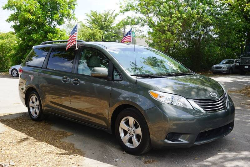 2011 TOYOTA SIENNA LE 8 PASSENGER 4DR MINI VAN V6 gray  call 866-378-7964 for sales  this 2