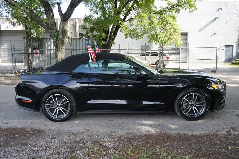 2016 Ford Mustang EcoBoost Premium 2dr Convertible - Hollywood FL