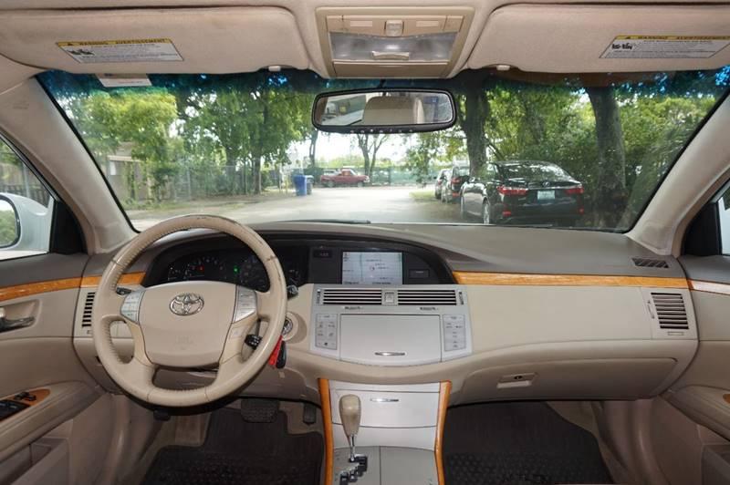 2007 Toyota Avalon XLS 4dr Sedan - Hollywood FL